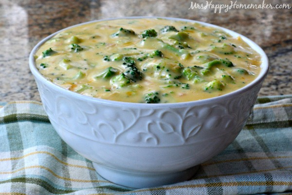Quick & Easy 4 Ingredient Broccoli Cheese Soup
