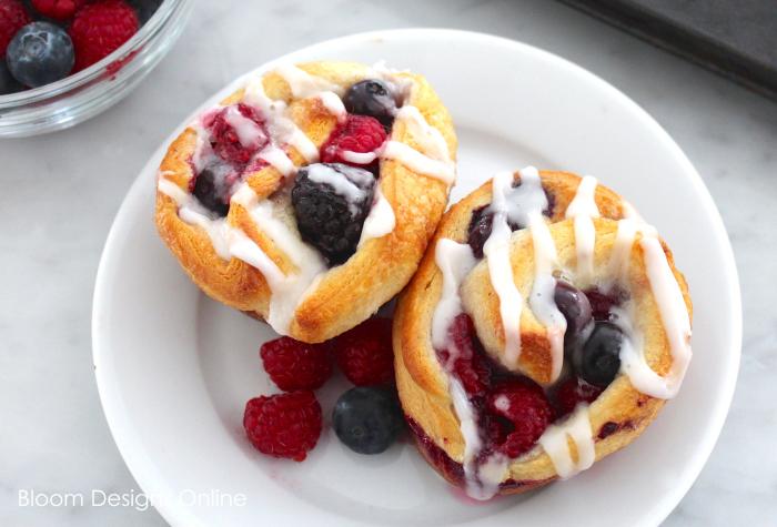 Berry Breakfast Buns