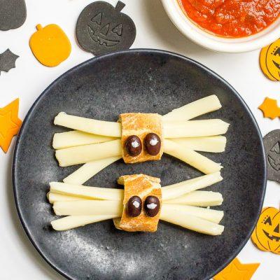 Healthy Halloween spider snacks