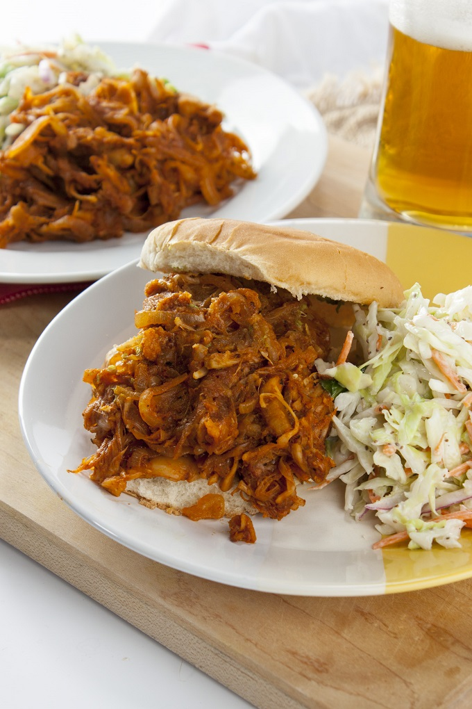 Vegan BBQ Pulled-Pork-Style Shredded Jackfruit
