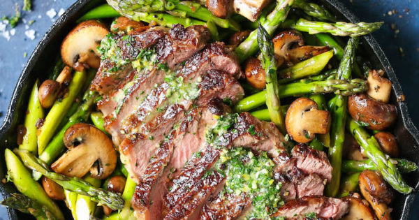 One Pan Steak and Veggies With Garlic Herb Butter
